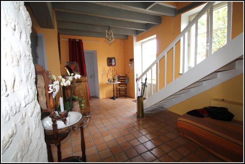 Sale house / villa Maille 400000€ - Picture 7
