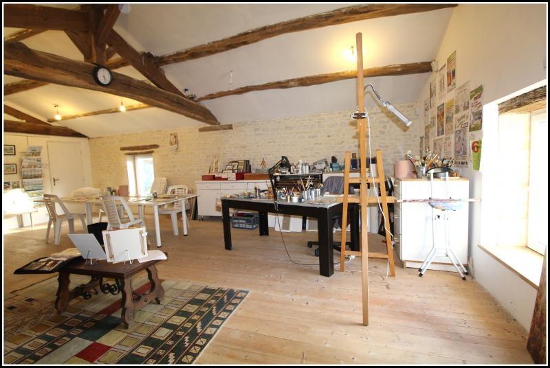 Sale house / villa Maille 400000€ - Picture 12