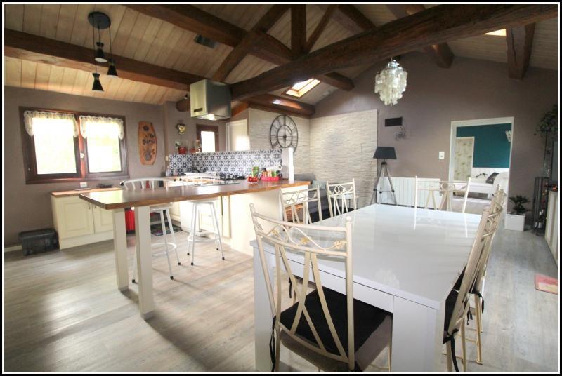 Sale house / villa Le poire sur velluire 200000€ - Picture 2