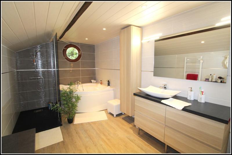 Sale house / villa Le poire sur velluire 200000€ - Picture 5