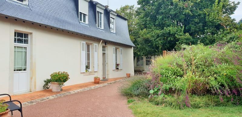 Sale house / villa St jean de la motte 282000€ - Picture 1