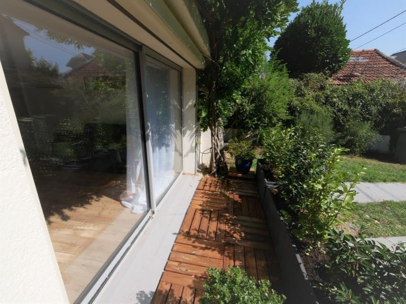 Rental apartment Garches 790€ CC - Picture 1