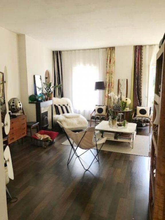 Sale apartment Avignon 240000€ - Picture 1