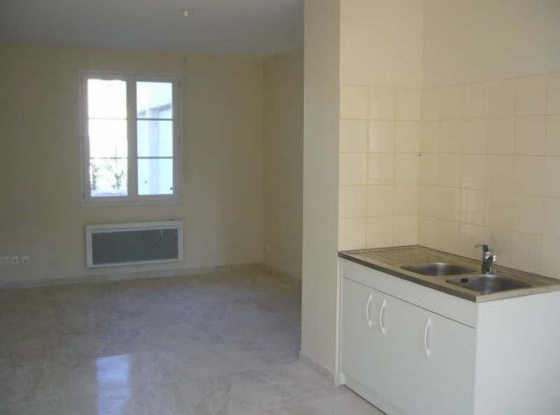 Rental apartment Ste genevieve 750€ CC - Picture 2