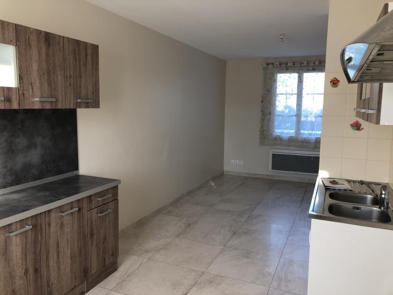 Location appartement Ste genevieve 750€ CC - Photo 2