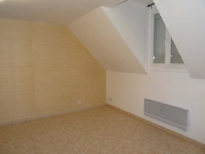 Location appartement Bruyeres sur oise 663€ CC - Photo 3