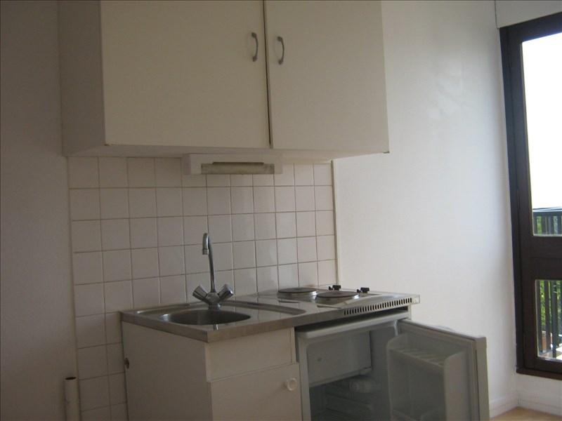 Locação apartamento Le chesnay 487,60€ CC - Fotografia 3
