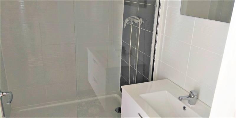 Rental apartment Sucy en brie 850€ CC - Picture 2