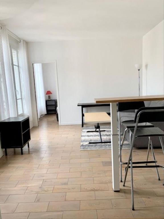 Location appartement Paris 18ème 1 100€ CC - Photo 8