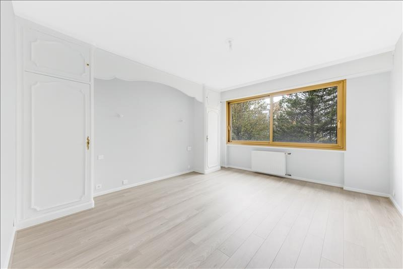 Location appartement Paris 16ème 4 090€ CC - Photo 8