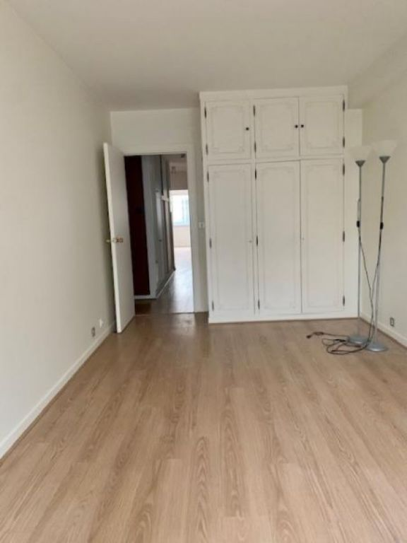 Location appartement Paris 16ème 2 655€ CC - Photo 9