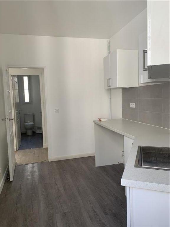 Rental apartment Paris 18ème 1125€ CC - Picture 10