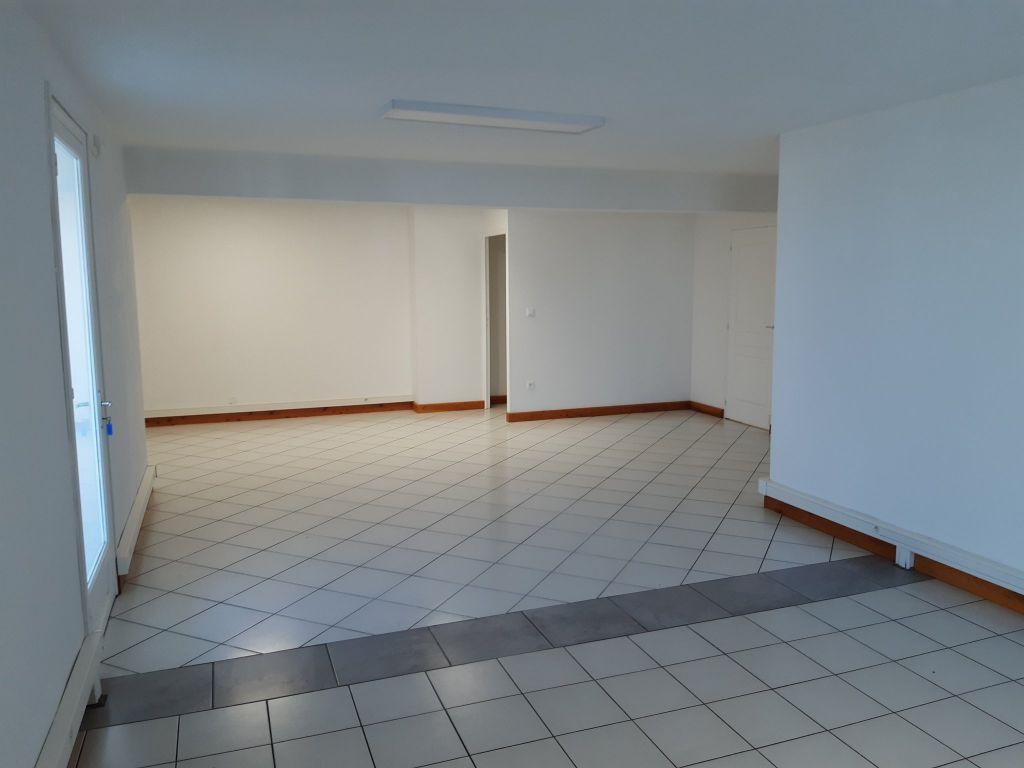 Location bureau St Pierre