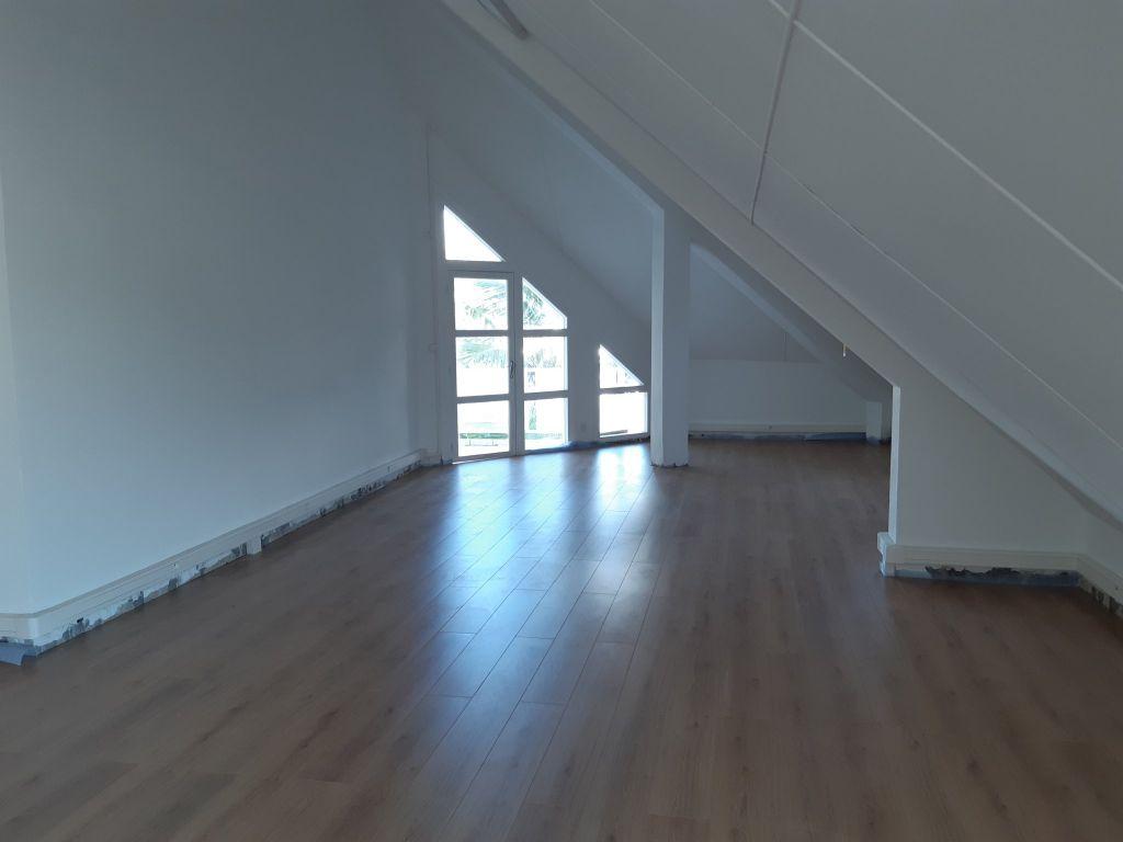 Bureau  st pierre - 71.48 m2 st pierre - Photo 1