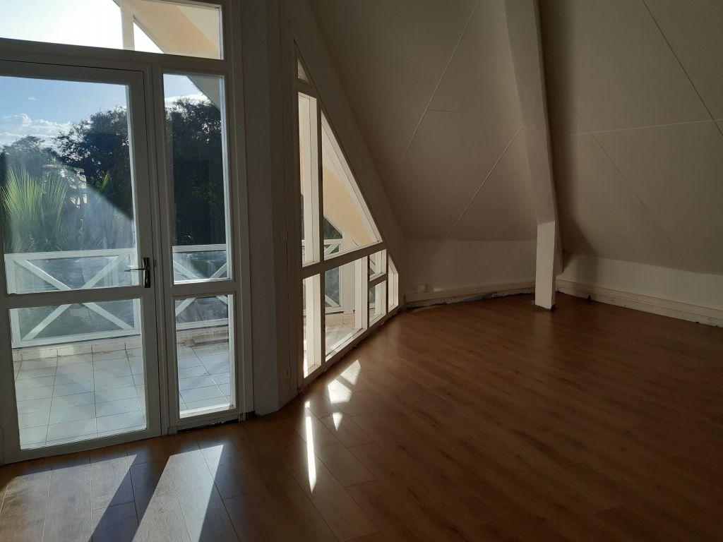 Bureau  st pierre - 71.48 m2 st pierre - Photo 2