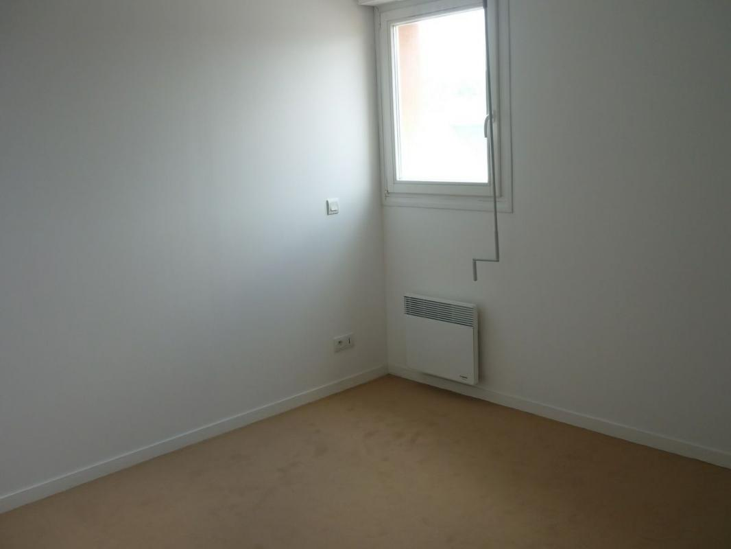 Sale apartment Lisieux 97 000€ - Picture 3