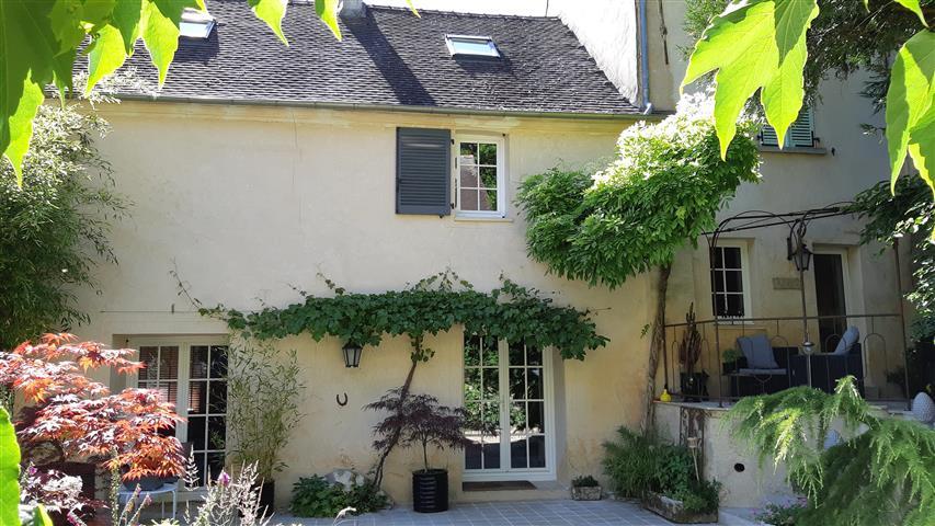 Deluxe sale house / villa Saacy sur marne 374000€ - Picture 1