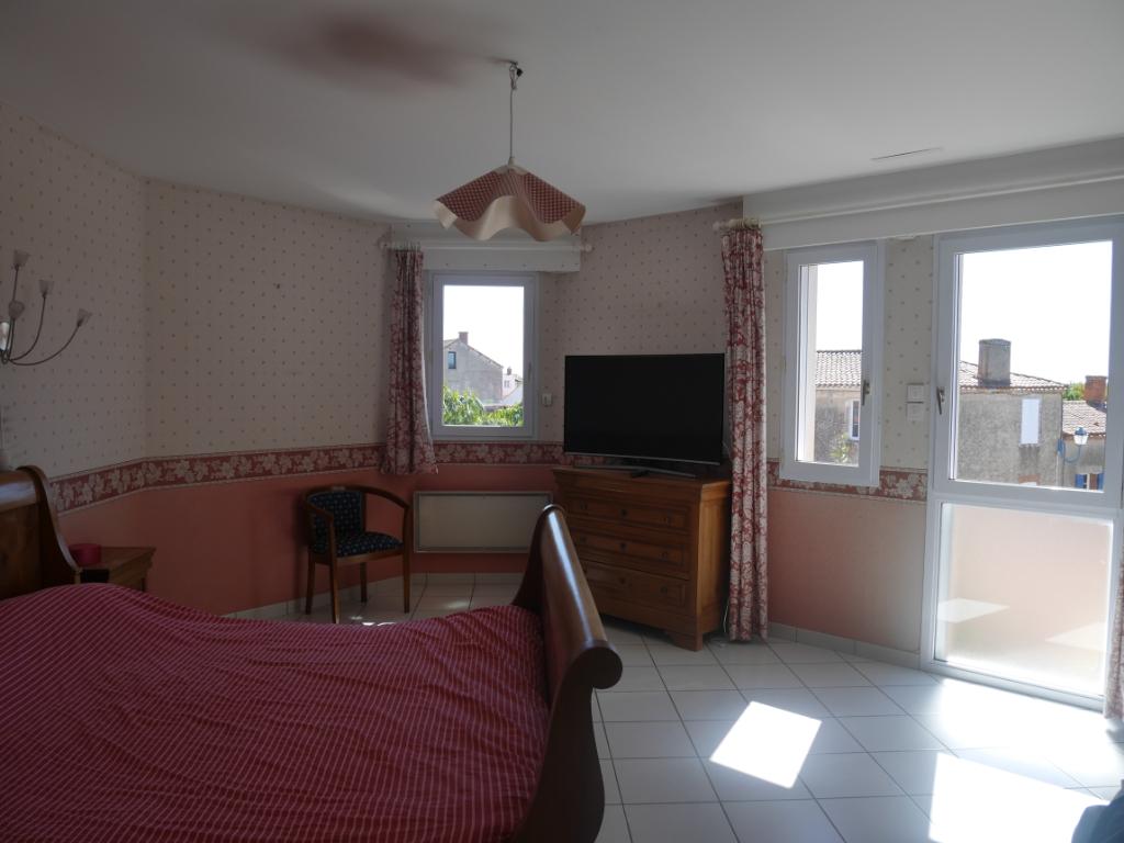 Sale house / villa Brem sur mer 468900€ - Picture 12