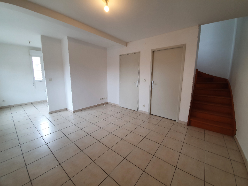 Location appartement Aubigny sur nere 458,39€ CC - Photo 1