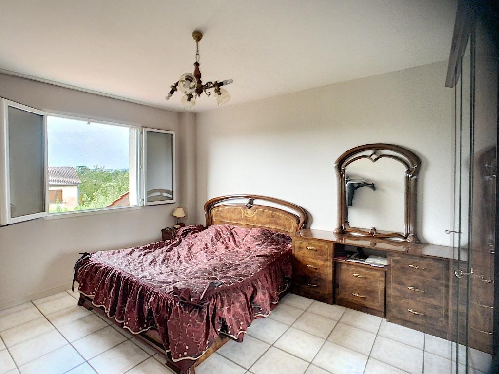 Sale house / villa Auberives sur vareze 335000€ - Picture 8