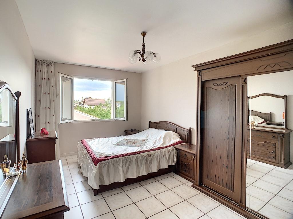 Sale house / villa Auberives sur vareze 335000€ - Picture 11