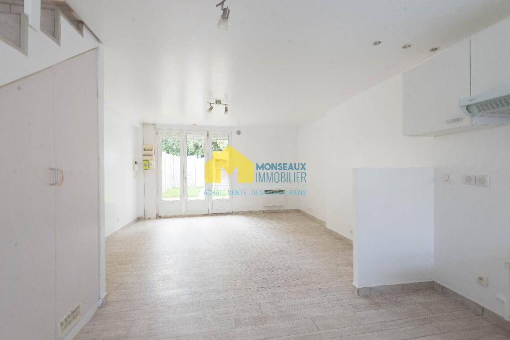 Location maison / villa Ballainvilliers 895€ CC - Photo 1