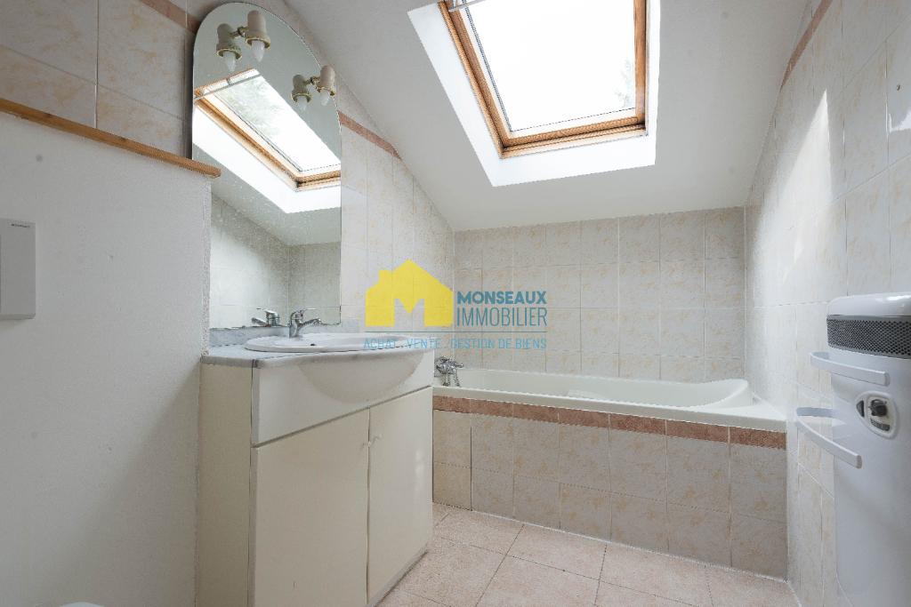 Location maison / villa Ballainvilliers 895€ CC - Photo 5