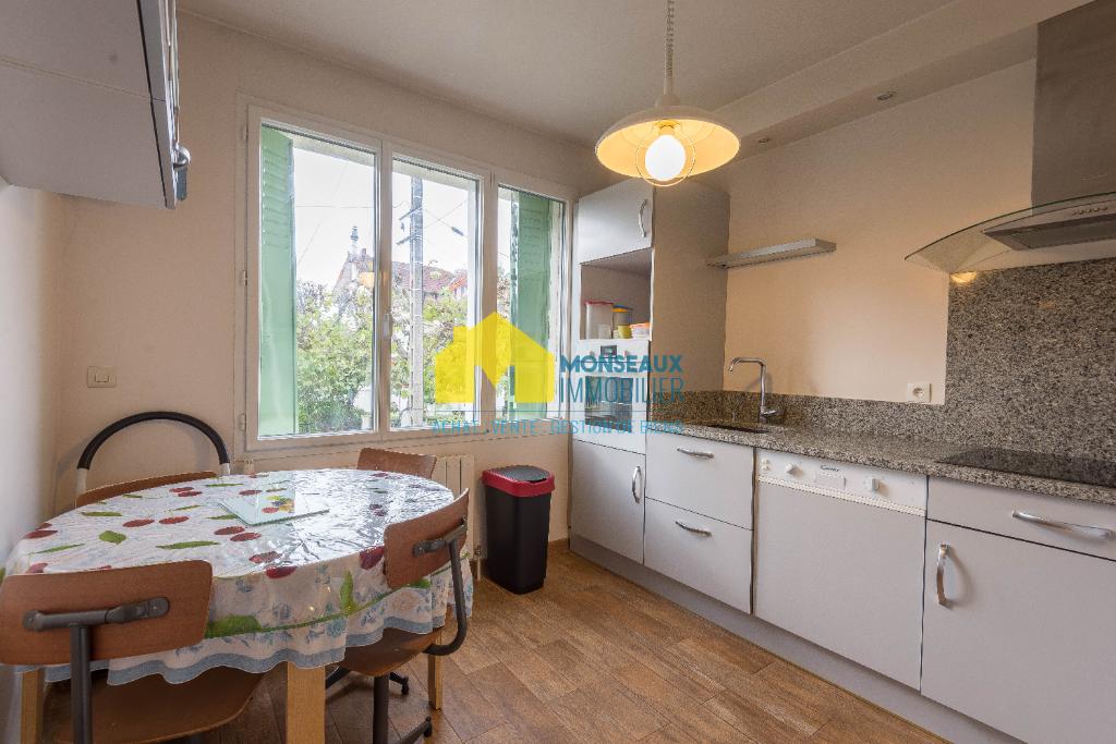 Sale house / villa Sainte genevieve des bois 458000€ - Picture 5