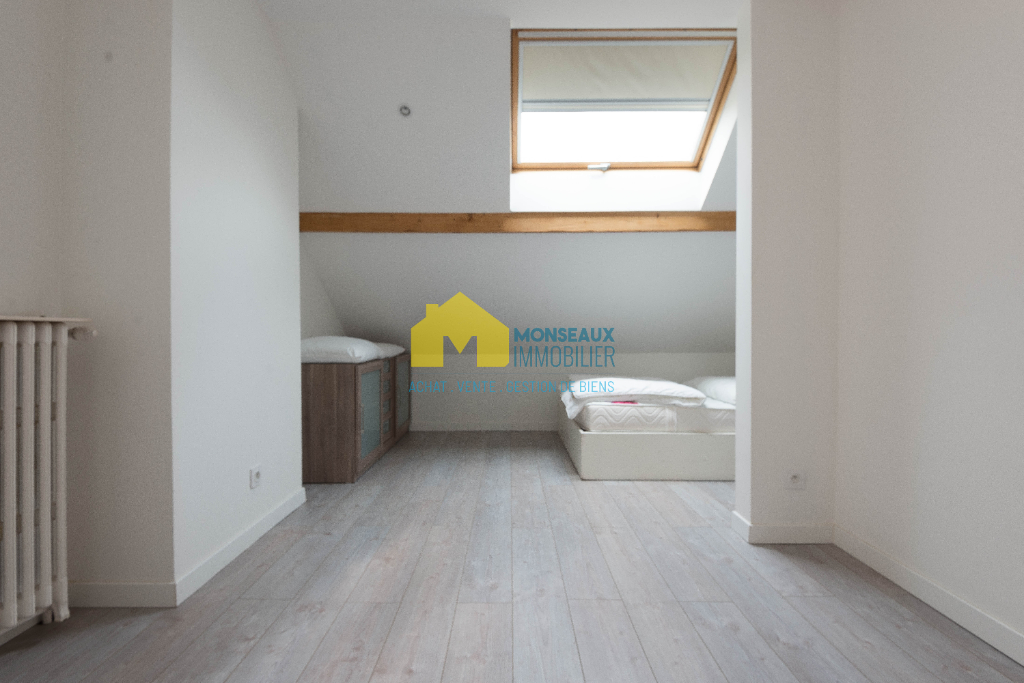 Sale house / villa Sainte genevieve des bois 458000€ - Picture 8