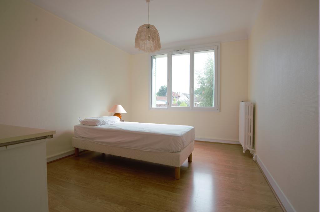 Sale house / villa Sainte genevieve des bois 458000€ - Picture 10