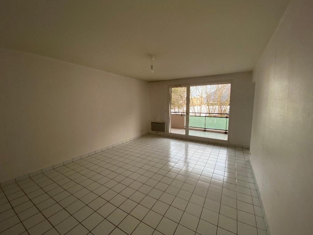Location appartement Saint pierre en faucigny 1035€ CC - Photo 3