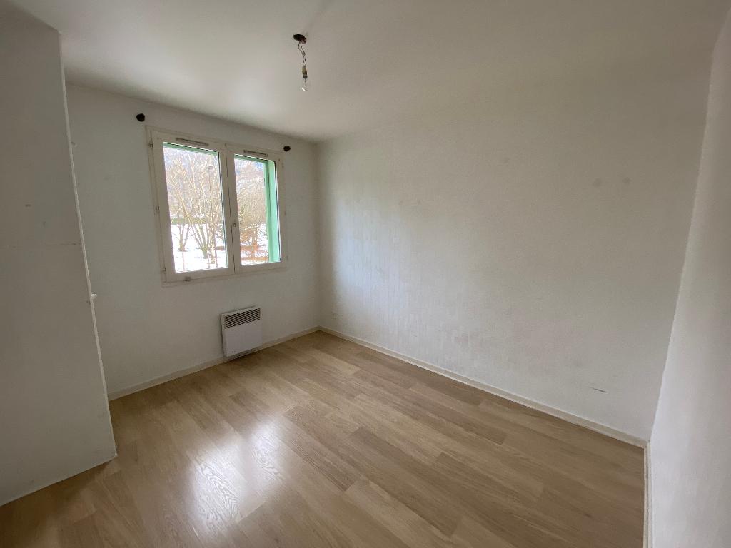 Location appartement Saint pierre en faucigny 1035€ CC - Photo 4