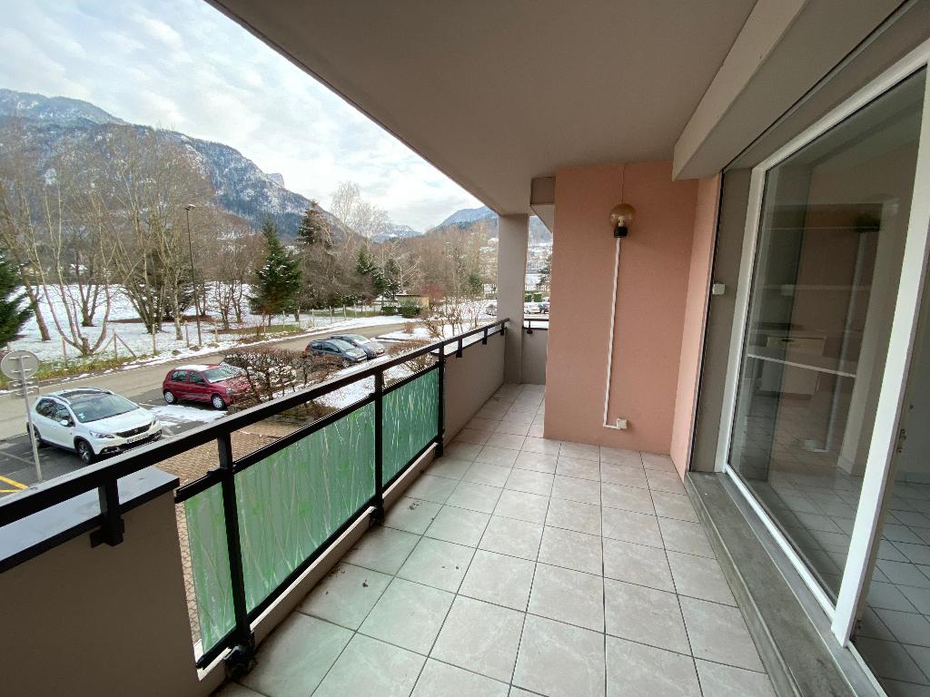 Location appartement Saint pierre en faucigny 1035€ CC - Photo 7