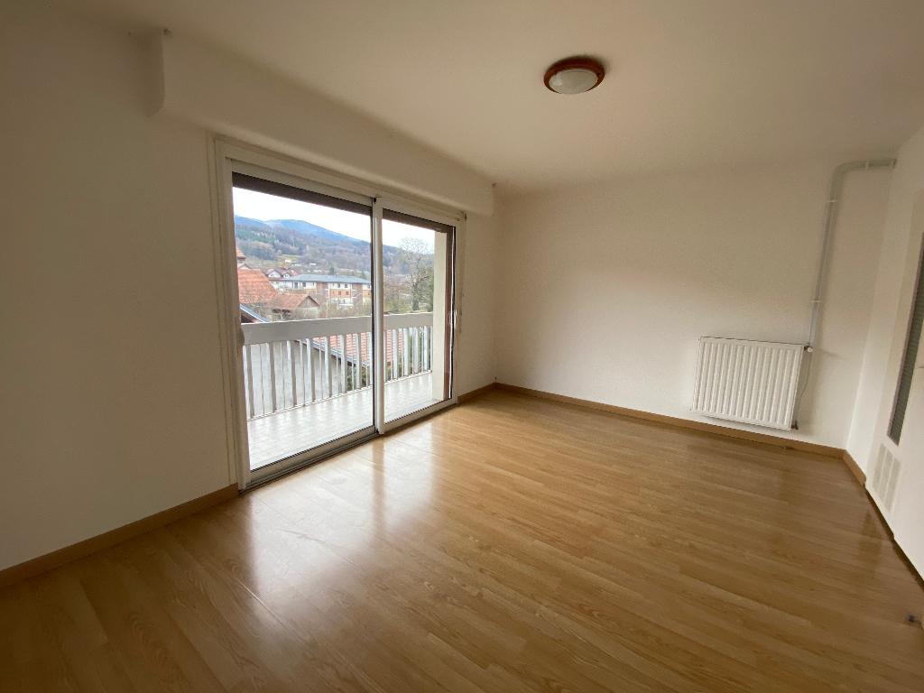 Rental apartment Saint pierre en faucigny 780€ CC - Picture 1
