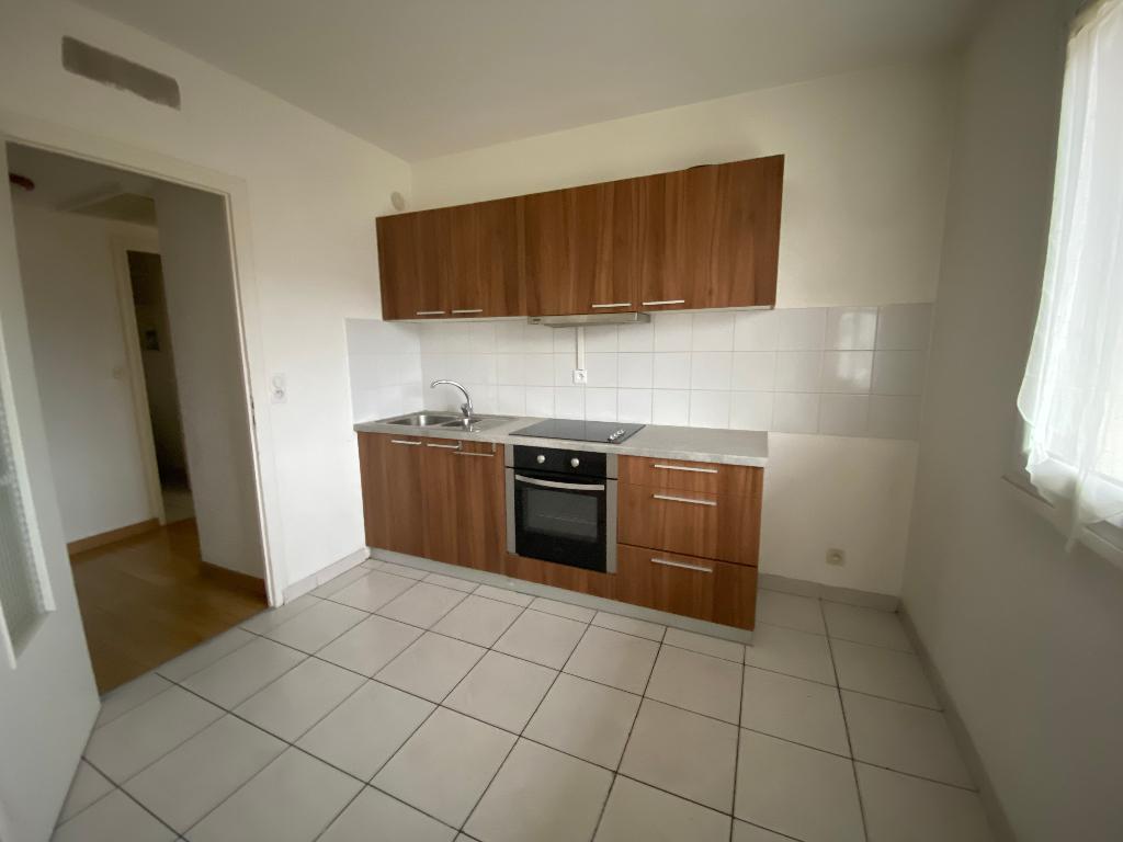 Rental apartment Saint pierre en faucigny 780€ CC - Picture 2