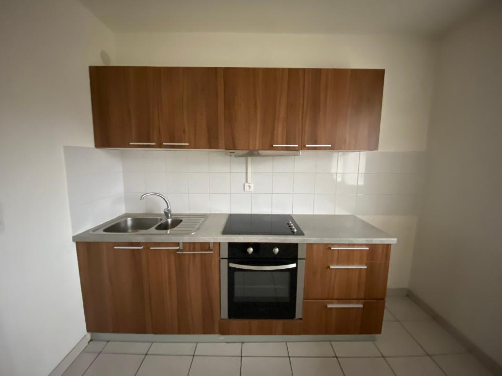 Rental apartment Saint pierre en faucigny 780€ CC - Picture 3