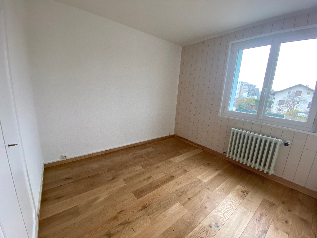 Location appartement Saint pierre en faucigny 820€ CC - Photo 4