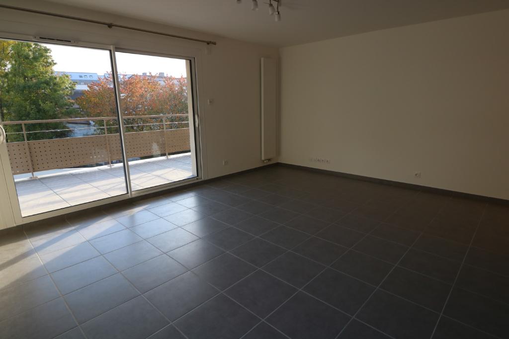 Location appartement Bonneville 690€ CC - Photo 2