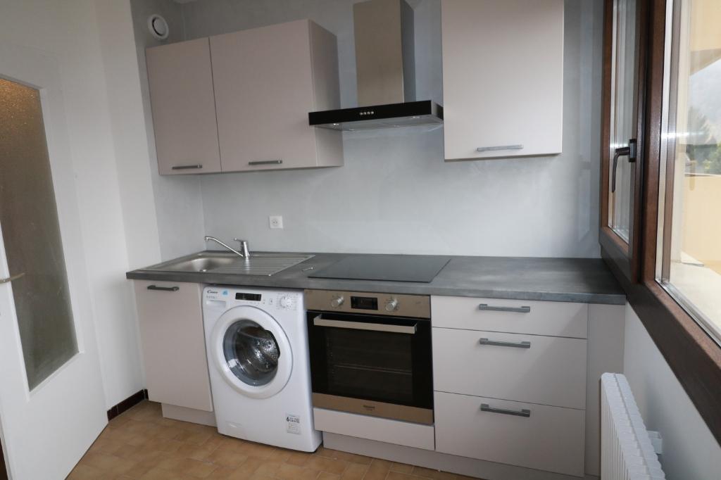 Rental apartment Marignier 680€ CC - Picture 1