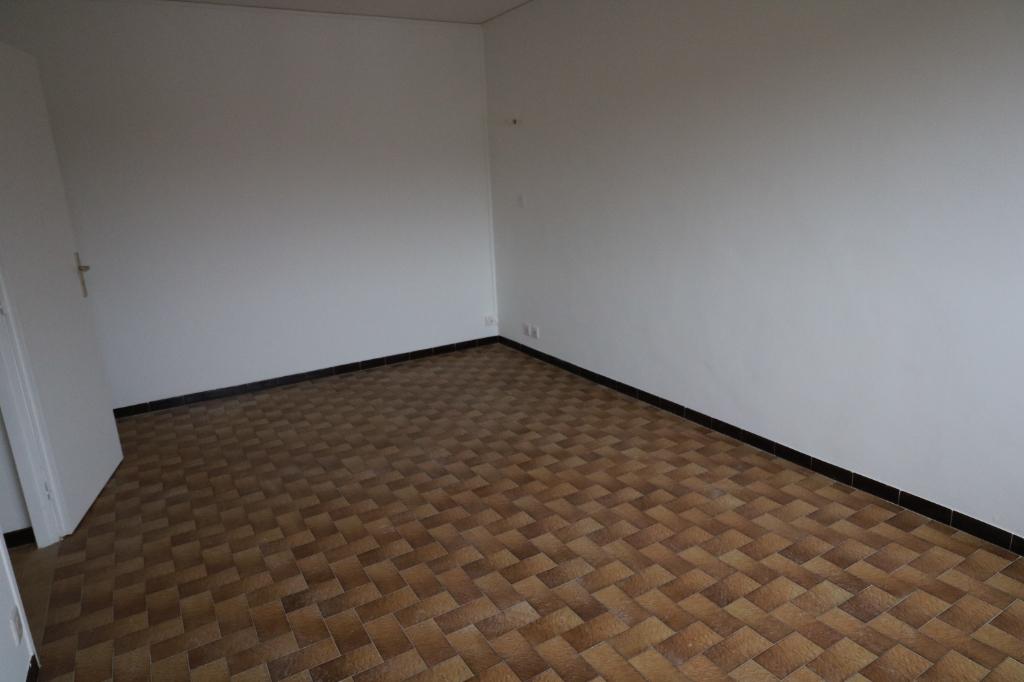 Rental apartment Marignier 680€ CC - Picture 2