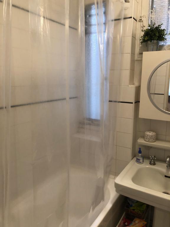 Rental apartment Paris 17ème 1350€ CC - Picture 5