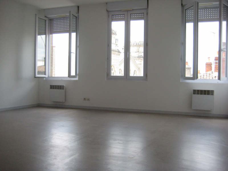 Location appartement Bordeaux 583€ CC - Photo 1