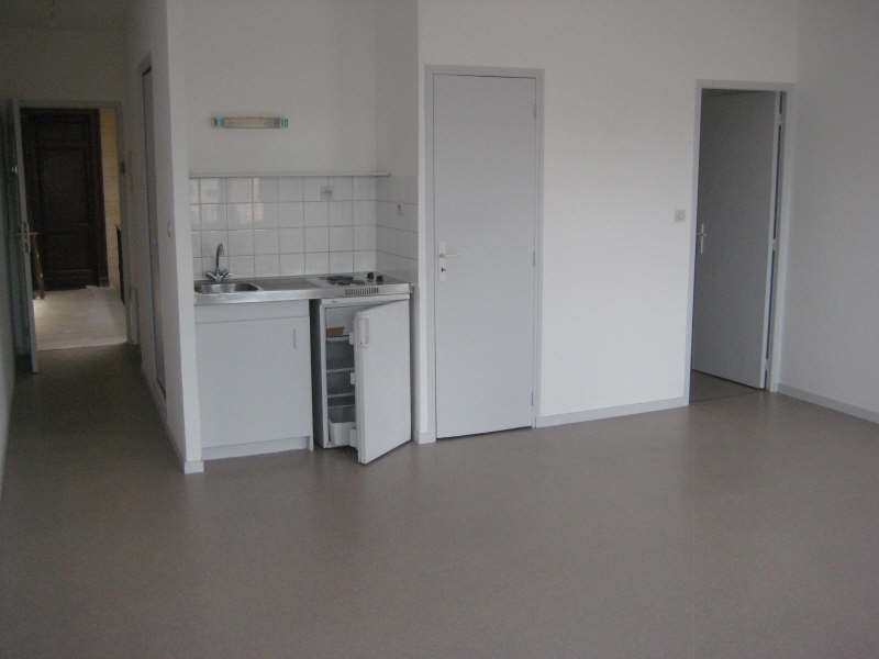 Location appartement Bordeaux 583€ CC - Photo 2