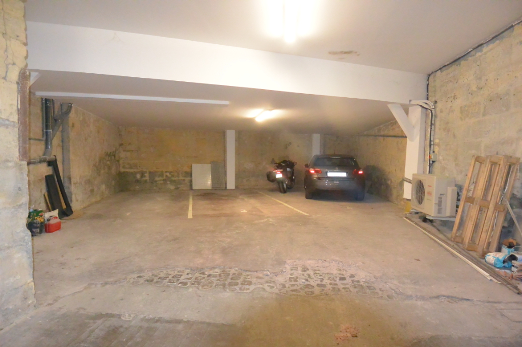 BORDEAUX - Parking / box