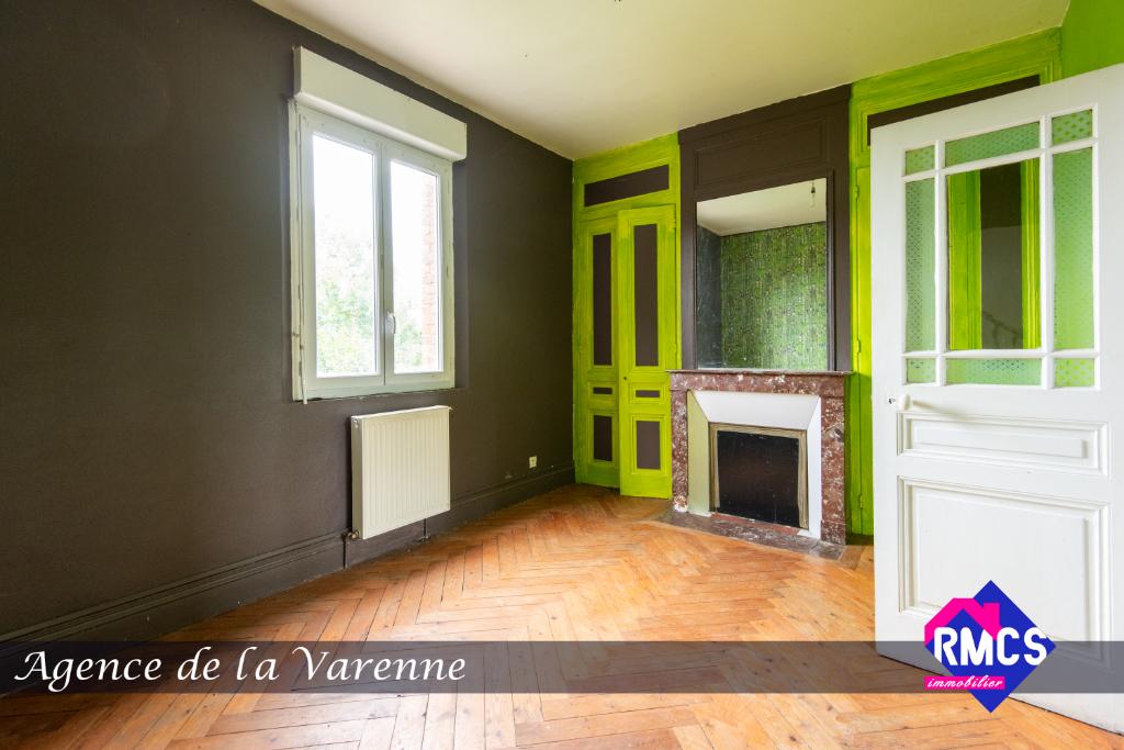 MAISON ST GERMAIN DES ESSOURTS - 7 pièce(s) - 180 m2