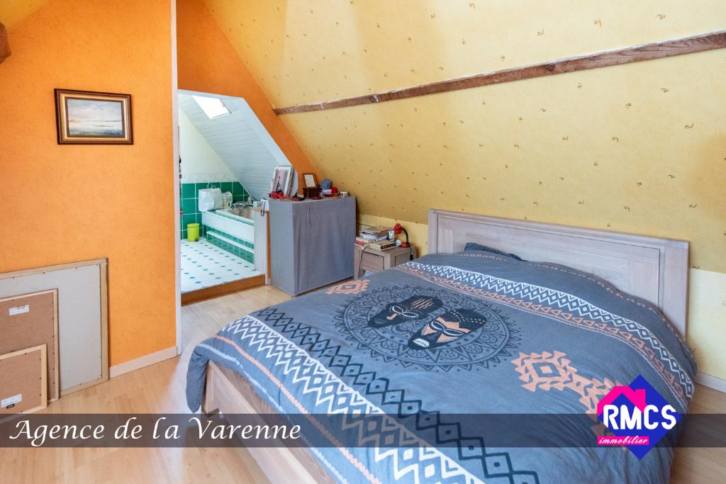 Maison  6 pièce(s) 173 m2