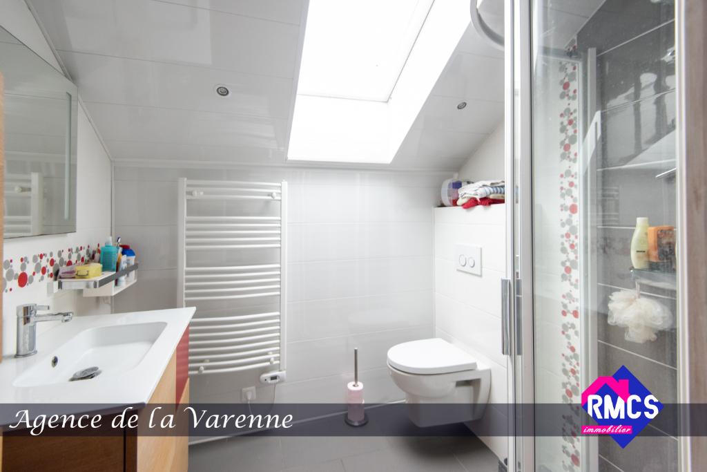 Maison  7 pièce(s) 173 m2