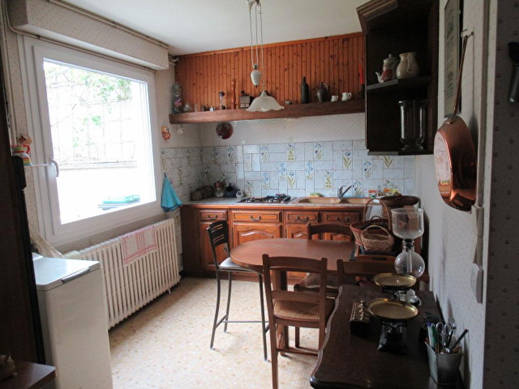 Sale house / villa Angers 210000€ - Picture 2