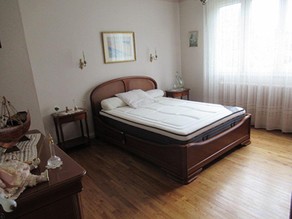 Sale house / villa Angers 210000€ - Picture 4