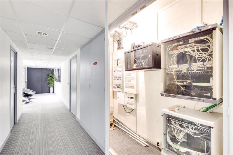 Rental office Suresnes 3827,67€ CC - Picture 3